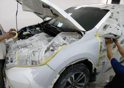 02. Aktivitas di bengkel body repair Finn Auto Express