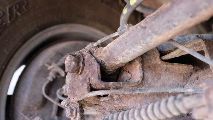 Karat di Kolong Mobil, sumber : intersport.id